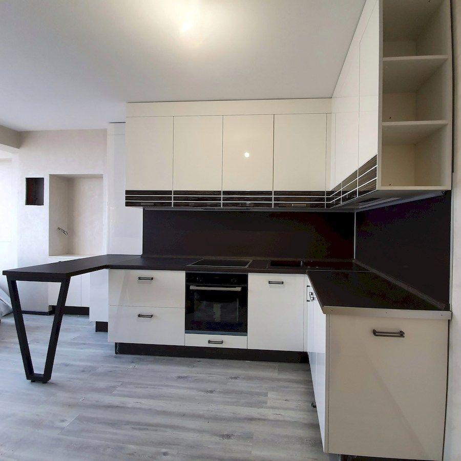 Белый кухонный гарнитур-Кухня из шпона «Модель 560»-фото2