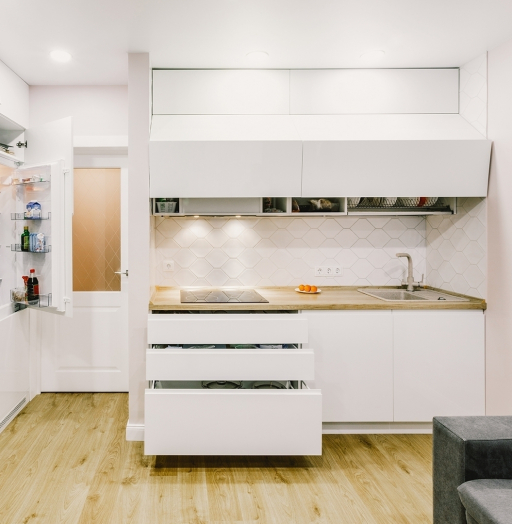 Белый кухонный гарнитур-Кухня МДФ в эмали «Модель 604»-фото3
